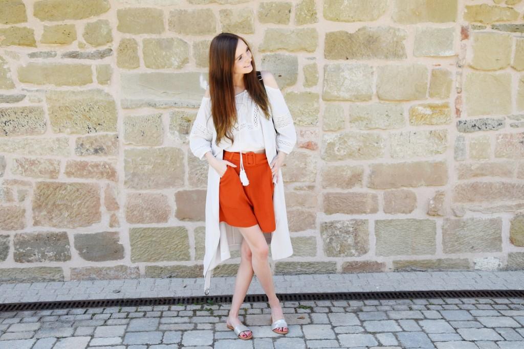 Off Shoulder, Long Vest,  Red Short and Slipper